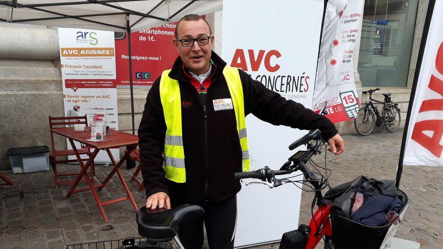 """Philippe Meynard le président de l'association """"AVC tous concernés"""" a fait étape à Dijon ce lundi 2 octobre 2017"""