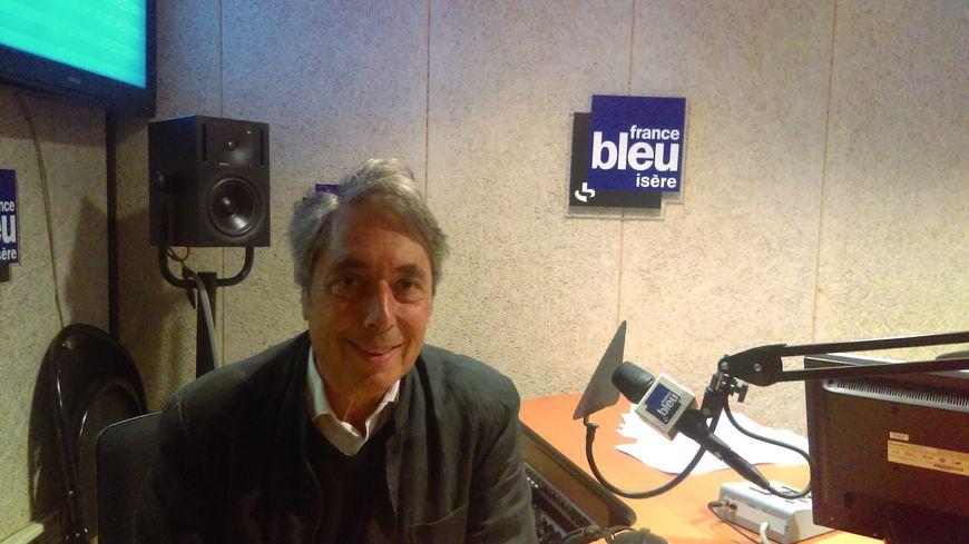 Maire de Grenoble entre 1995 et 2014, Michel Destot revenait pour France Bleu Isère sur la déroute du PS aux législatives.