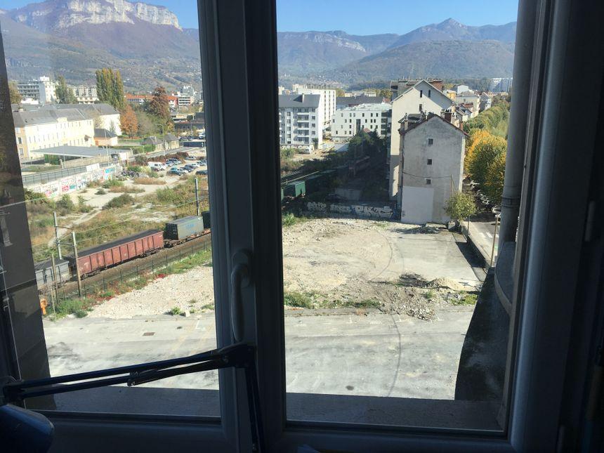 La vue depuis l'appartement d'Annie risque d'en prendre un coup