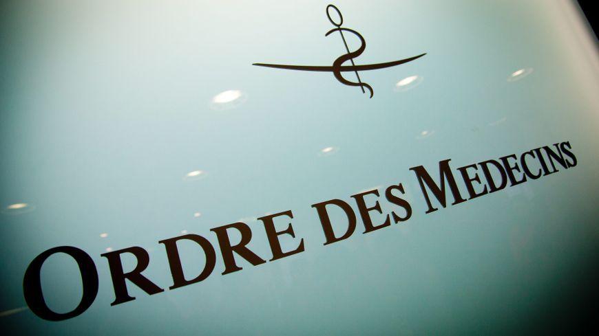 Un psychiatre sarthois suspendu 3 mois pour des gestes - Chambre disciplinaire nationale de l ordre des medecins ...