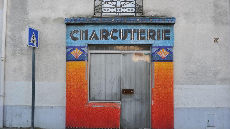 Nantes la devanture en mosa que de rue de la convention for France bleu orleans cuisine