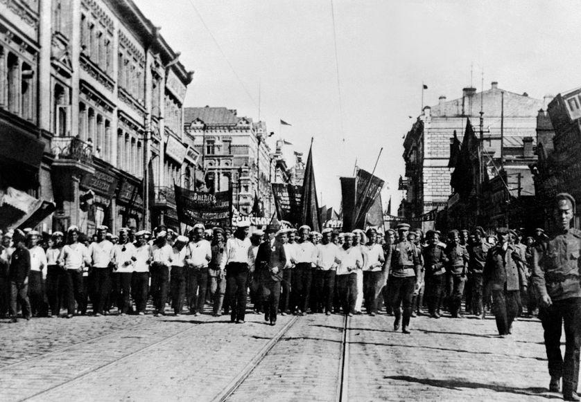 Manifestation de soldats et marins, Vladivostok, mars 1917