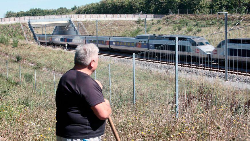 Les riverains se plaignent du bruit généré par le passage de 66 TGV par jour à 300 km/h