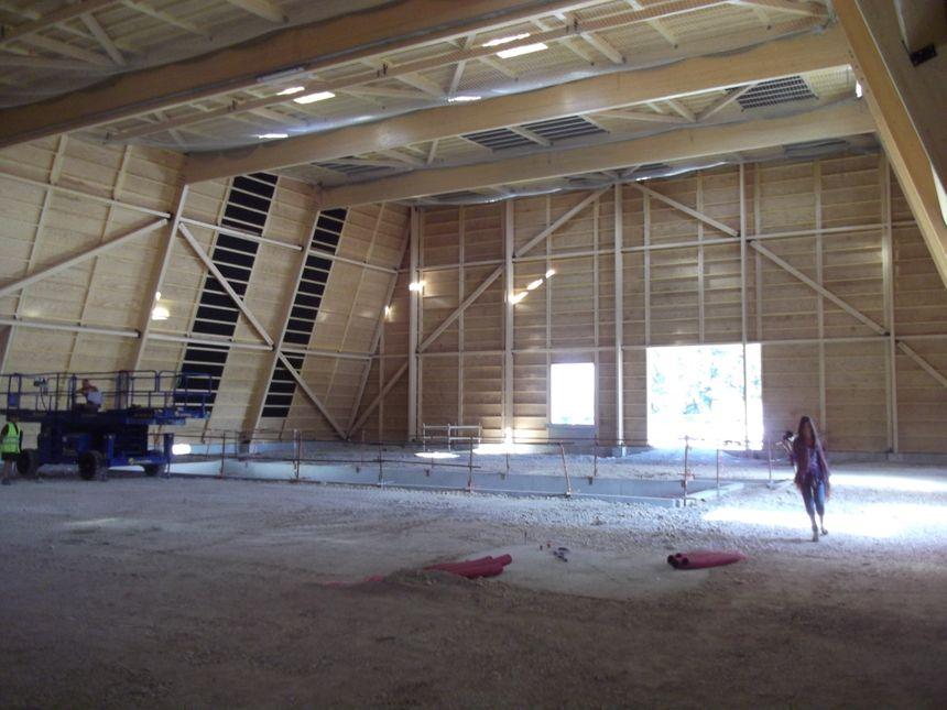 L'intérieur de la grande salle dont la structure en bois restera apparente