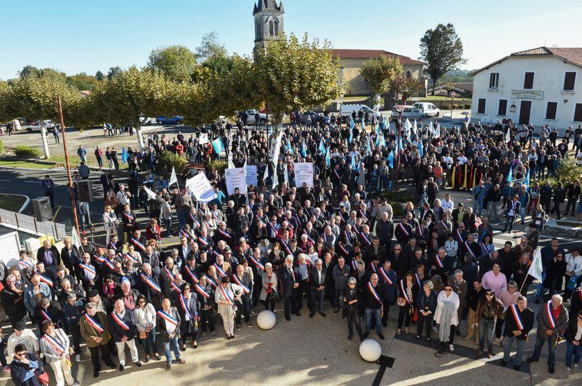 Les élus locaux se sont mobilisés à Castelnau-Chalosse aux côtés des aviculteurs
