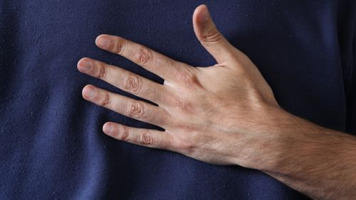 Épisode 1 : Déshumanisés : le besoin vital d'être touchés pour exister