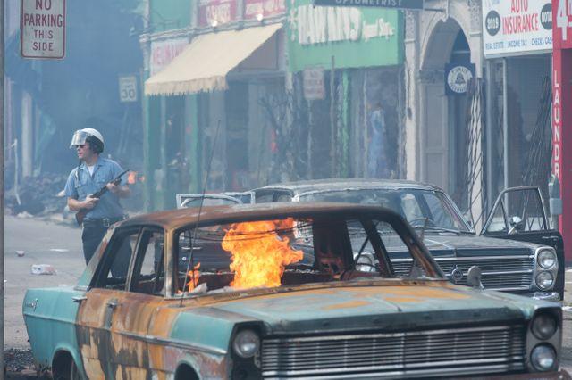 Kathryn Bigalow reconstitue Detroit en feu, lors des émeutes de juillet 1967