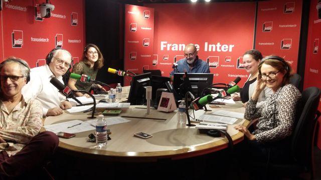 """""""Vous les Femmes"""", de gauche à droite : Hervé Pauchon, Albert Algoud, Flora Pajon, Daniel Morin, Zahia Ziouani, Stéphanie Duncan."""
