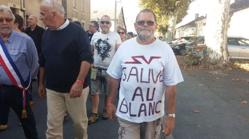 Les manifestants disent leur attachement à l'hôpital du Blanc.