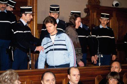 suspects d'assassinats de Céline Jourdan, 7 ans, Didier Gentil et Richard Roman à leur procès en 1992.