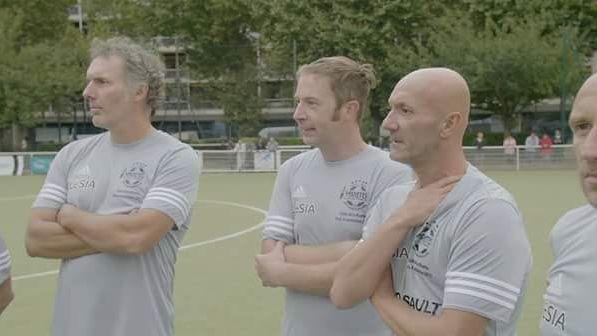 """Extrait du documentaire """"Footballeur et homo, l'un n'empêche pas l'autre"""""""
