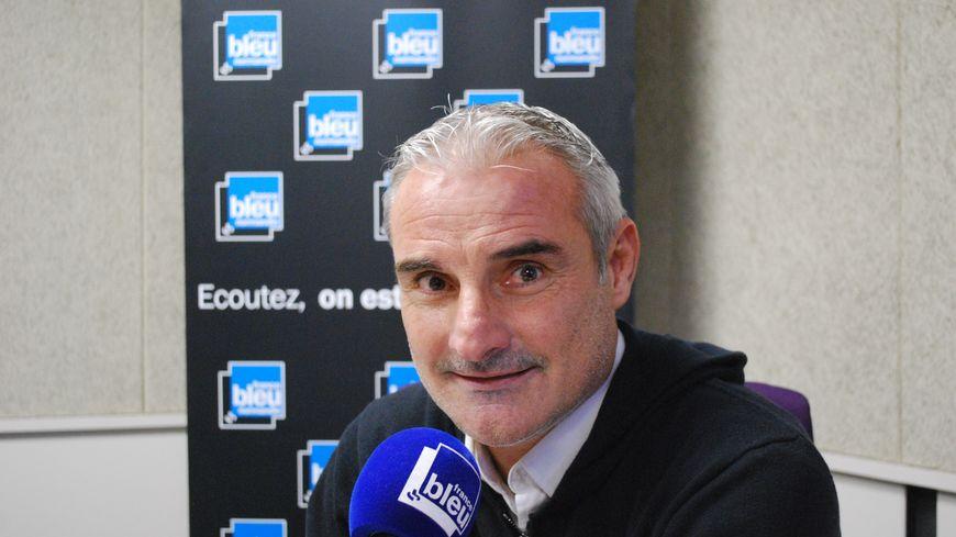 Alain Caveglia, le directeur sportif du SM Caen dans nos studios