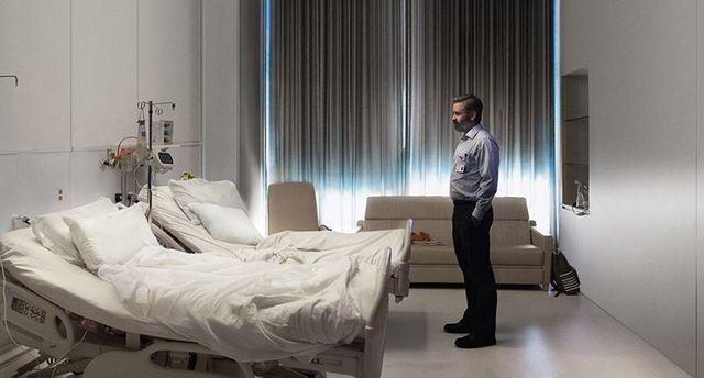 """Collin Farrell interprète un chirurgien dans """"Mise à mort du cerf sacré"""" d'Yórgos Lánthimos"""