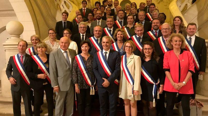 12 des 16 adjoints de Christophe Bouchet étaient déjà maires-adjoints de Serge Babary