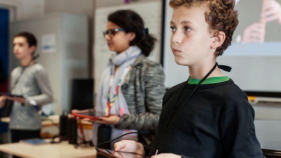 L'application t@lenschool des Talens lyriques permet l'initiation collective à la musique baroque en classe