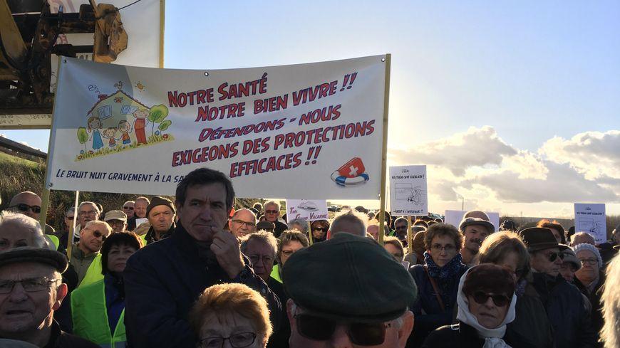 Les manifestants demandent que la loi les protège mieux contre les nuisances du TGV.