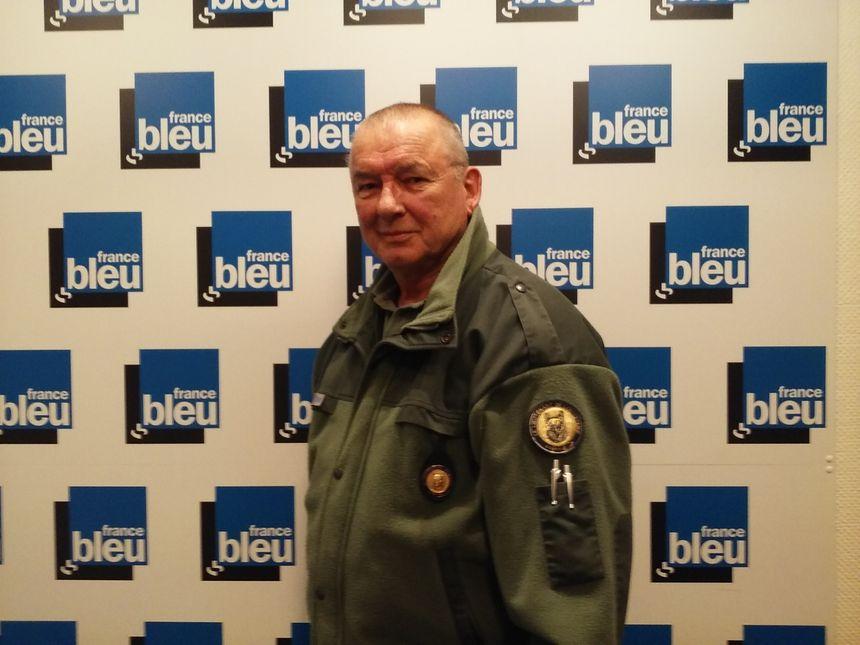 Sollicités par la préfecture pour réguler les espèces nuisibles, e lieutenant de louveterie Yvon Alisé est intervenu avec un autre louvetier sur l'A31 ce jeudi matin