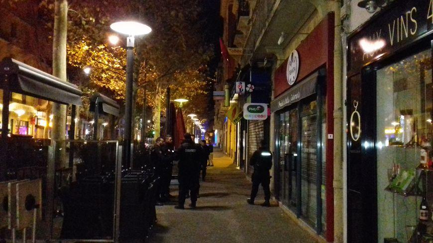 Les gendarmes déployés sur le boulevard Clémenceau de Perpignan