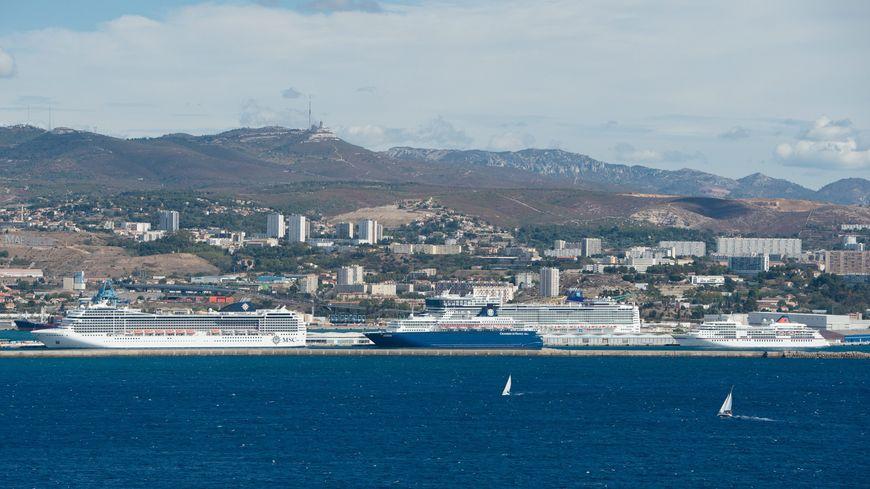 Des associations de d fense de l 39 environnement d noncent - Port embarquement croisiere marseille ...