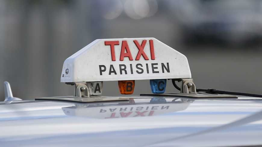 taxis parisiens le prix de la licence se stabilise. Black Bedroom Furniture Sets. Home Design Ideas