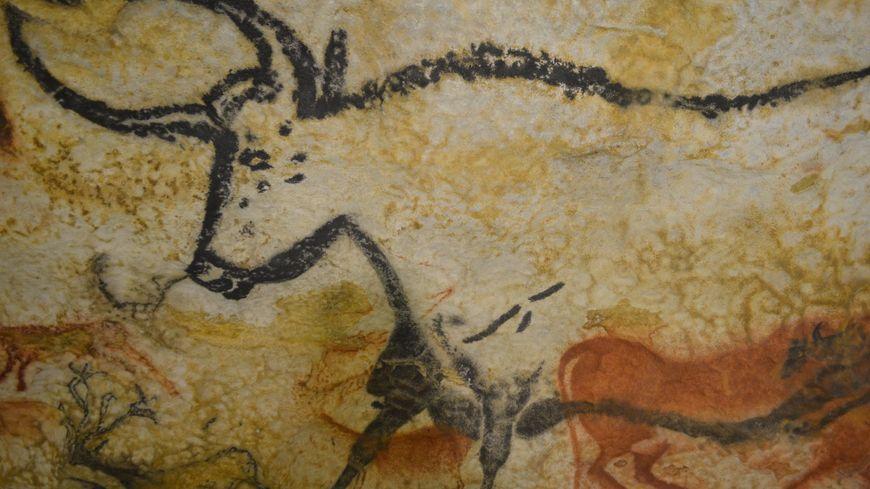 Une peinture célèbre de Lascaux : le fameux taureau