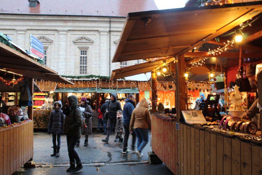 Le marché de noël de Montbéliard réunit 160 artisans
