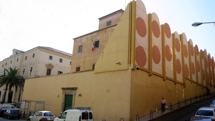 Des avocats dénoncent une opération de fouille à nu à la maison d'arrêt d'Ajaccio.