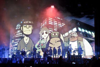 Gorillaz en concert avec dessin de Jamie Hewlett
