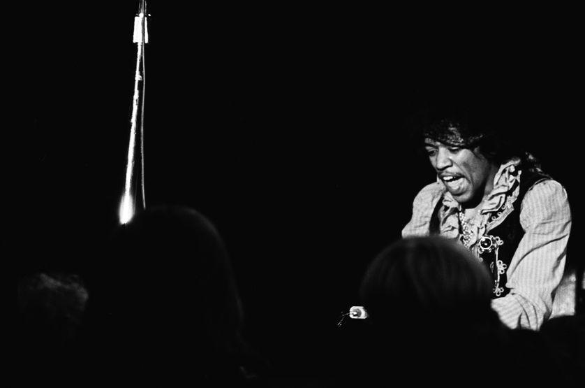 Jimi Hendrix en concert au festival de Monterey (Californie)  le 18 juin 1967.