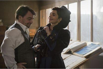 Emmanuelle Bach, Thierry Godard  dans la saison 7 d'Un Village français