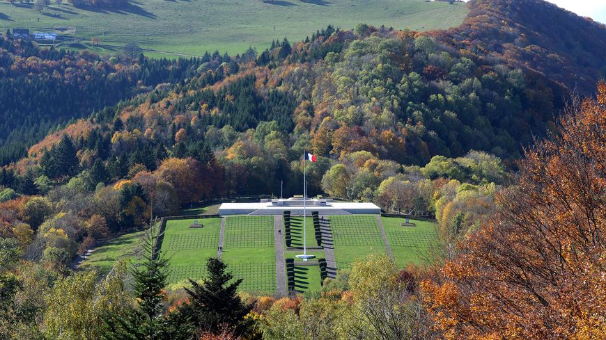Le Hartmannswillerkopf, lieu de bataille devenu lieu de mémoire dans le Haut-Rhin.