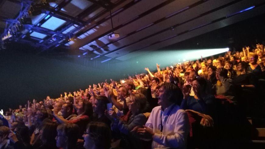 Un public comblé lors du concert de Florent Pagny hier soir à Monéteau