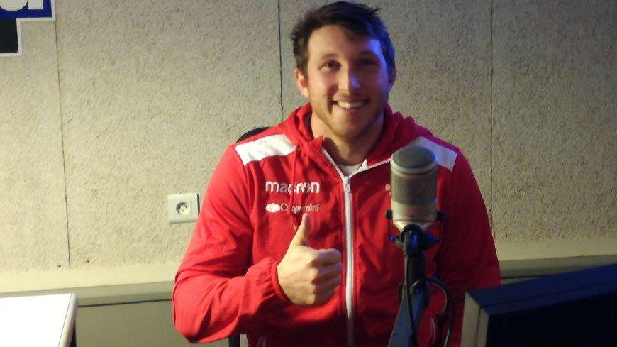 Yohann Artru, ailier du Biarritz Olympique, dans le Club Rugby de France Bleu Pays Basque