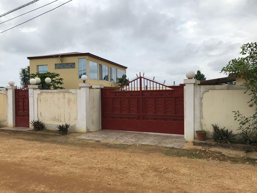 La maison où Benoit Nayme a été retrouvé mort le 30 novembre 2016 en Angola