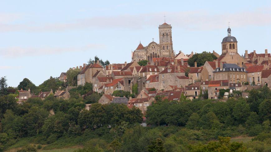 Le vin de Vézelay décroche l'AOC Village