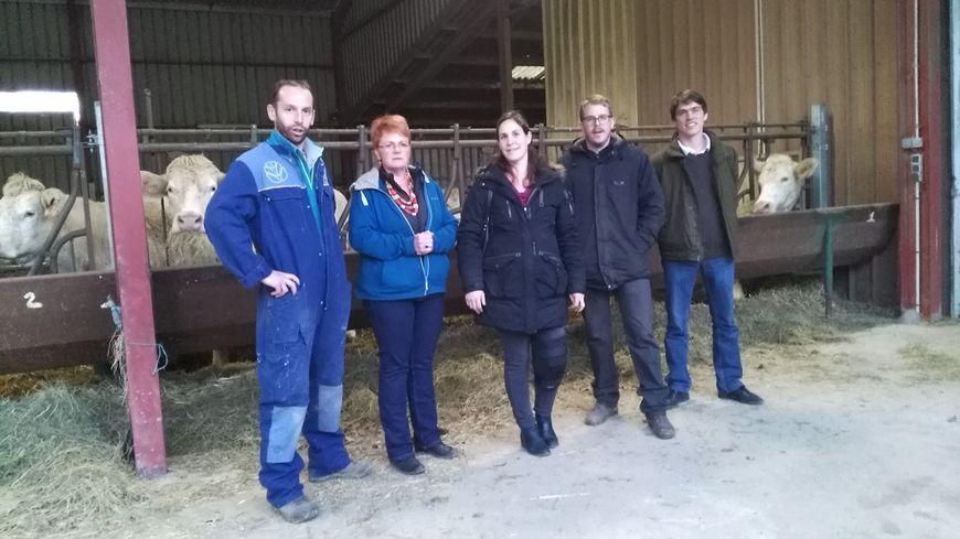 Voici une partie des neuf producteurs de l'avallonnais qui investissent dans un magasin de produits locaux. Le Silo Rouge ouvrira le 20 mars prochain rue de la Maladière à Avallon