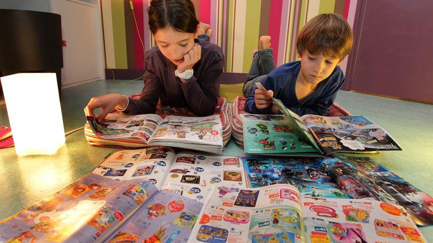 """Les pages """"filles"""" et """"garçons"""" ont (presque) disparu des catalogues de jouets"""
