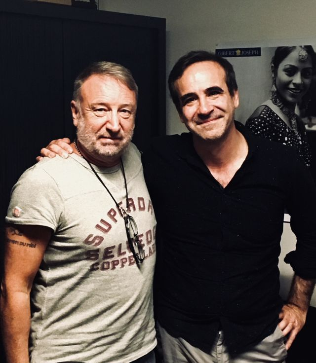Peter Hook et Michka Assayas après l'interview