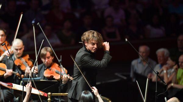 """Jérémie Rhorer, """"On a joué notre premier opéra de Mozart comme si notre vie était en jeu!"""" (3/5)"""