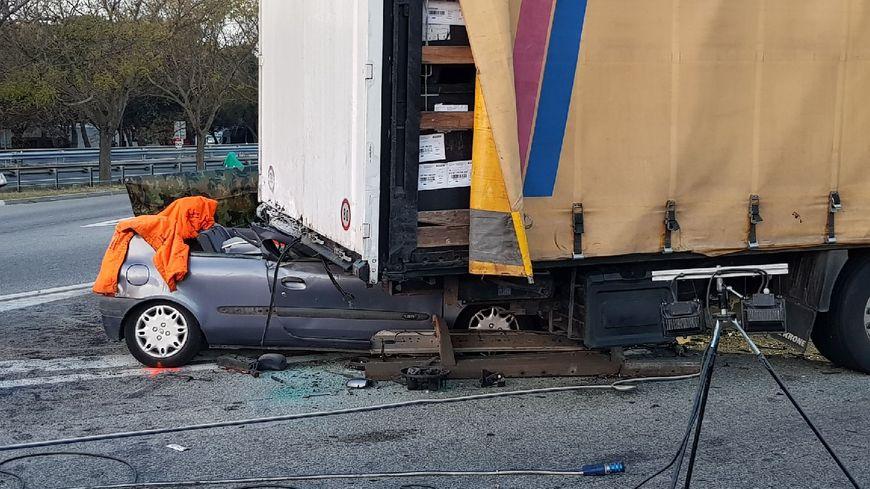 Trois morts dans un violent accident sur l 39 a7 lan on for Accident mortel a salon de provence
