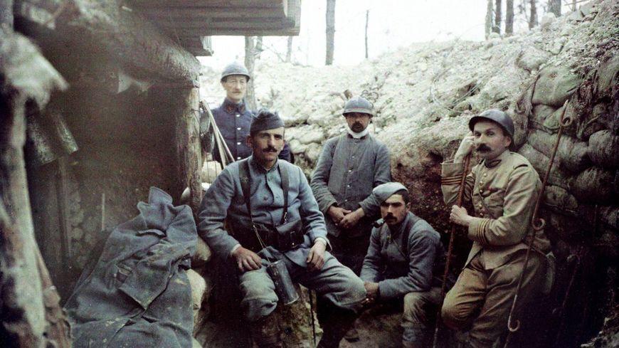 Dans une tranchée, pendant la Première Guerre Mondiale