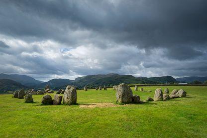 Alignement de pierres du néolithique