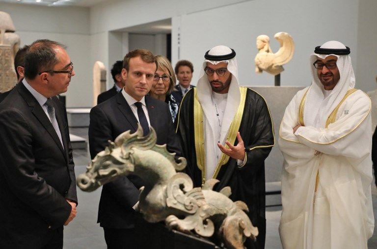 Emmanuel Macron lors de la visite inaugurale du Louvre Abu Dhabi