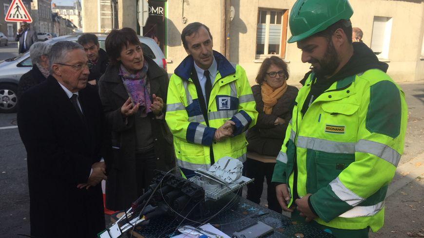 Sur la gauche, Serge Descout, le président du conseil départemental de l'Indre