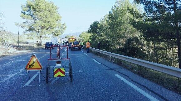 C'est en contrebas de la RD97 que la voiture a été retrouvée  - Radio France