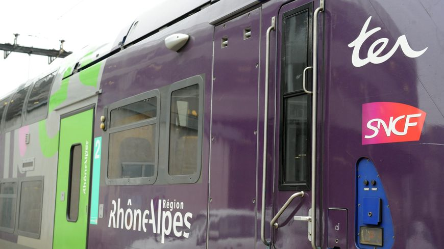 Le trafic des trains dans le sens Chambéry / Lyon ne sera pas rétabli avant vendredi matin selon la SNCF