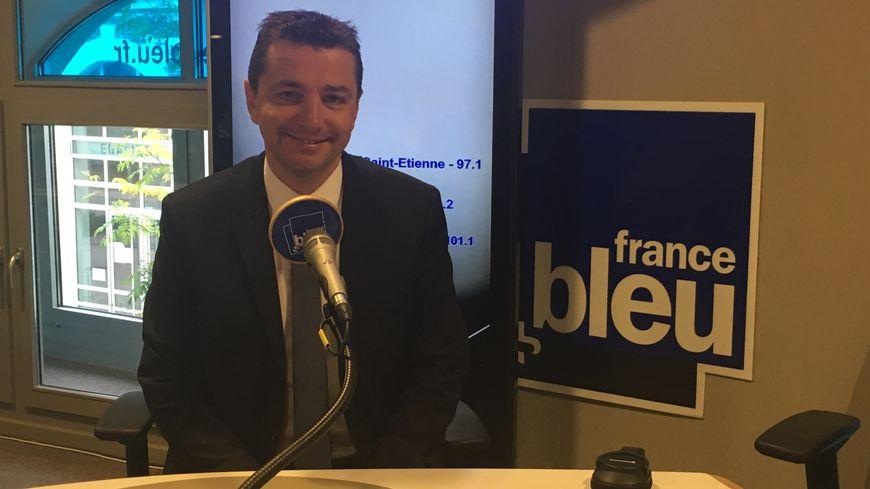 Gael Perdriau dans les studios de France Bleu Saint-Etienne Loire