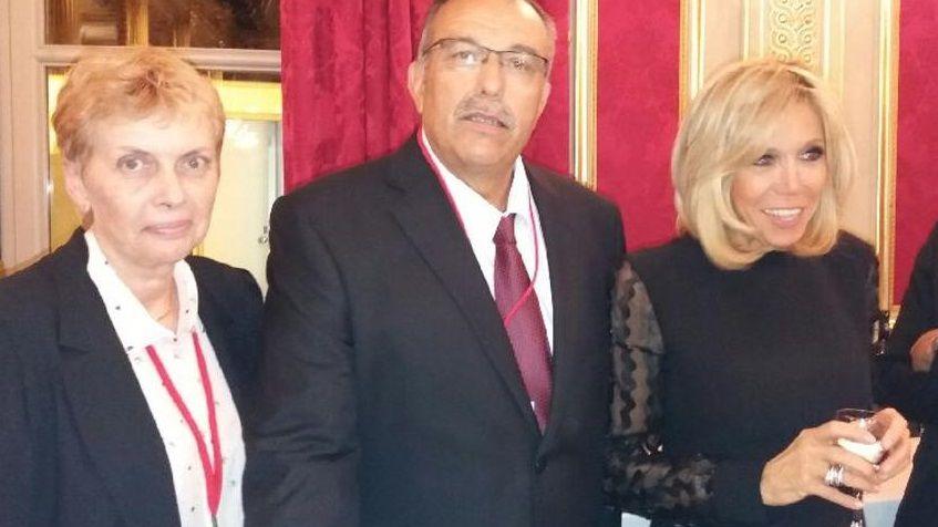 Léon Calage et son épouse ont rencontré Brigitte Macron lors du congrès des maires.