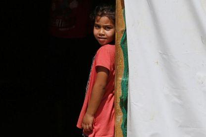 Fillette dans un camp de réfufgiés syriens au Liban en aoû 2017