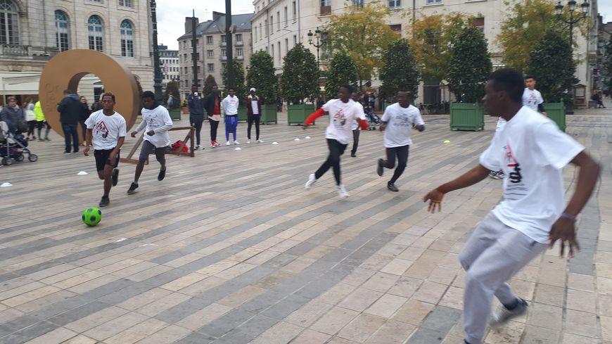 Un match de foot à Orléans le samedi 5 novembre pour sensibiliser les habitants au sort des mineurs isolés